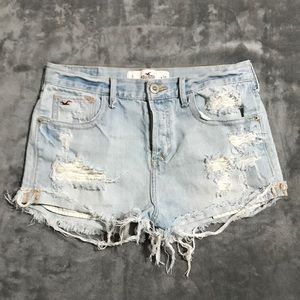 Hollister Distressed Jean Shorts!